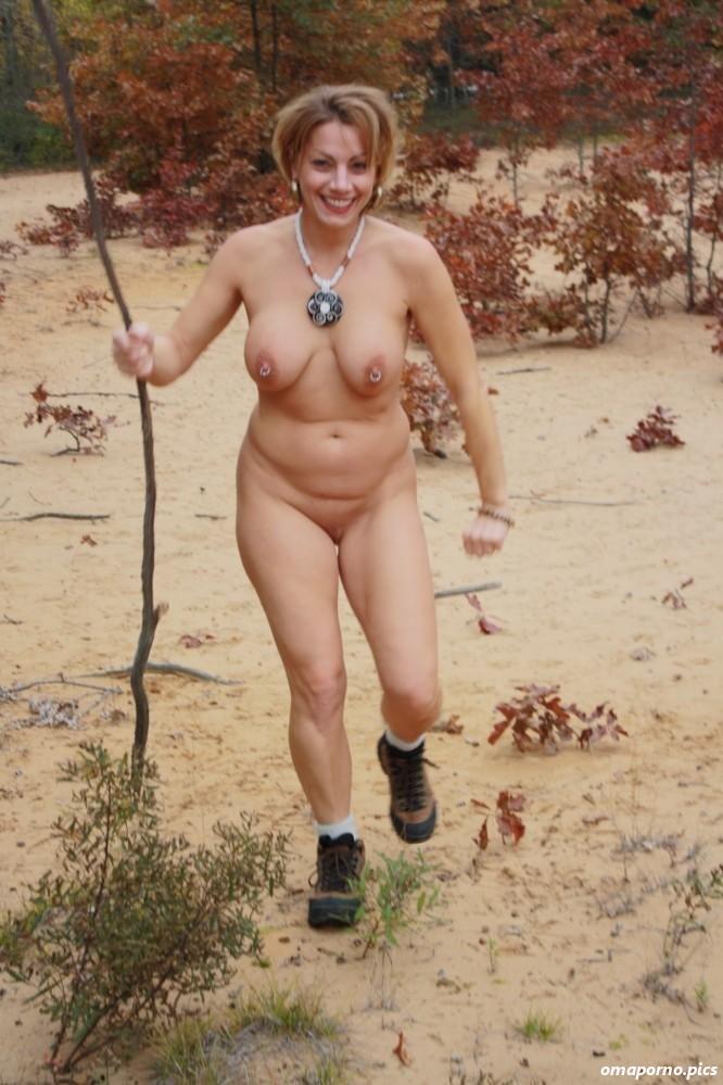 Reife frauen nackt outdoor