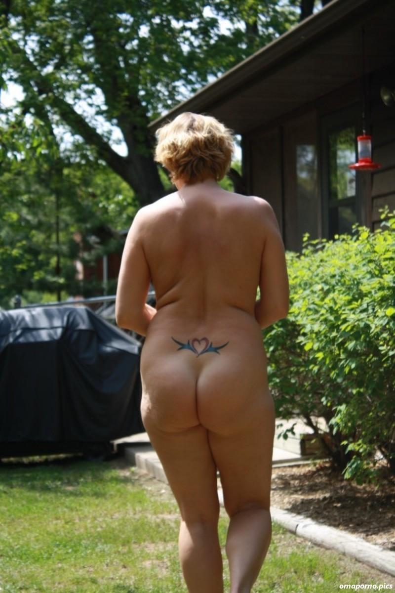 Nackt Im Garten Porn