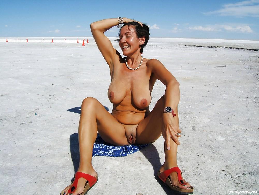 geile frau am fkk strand