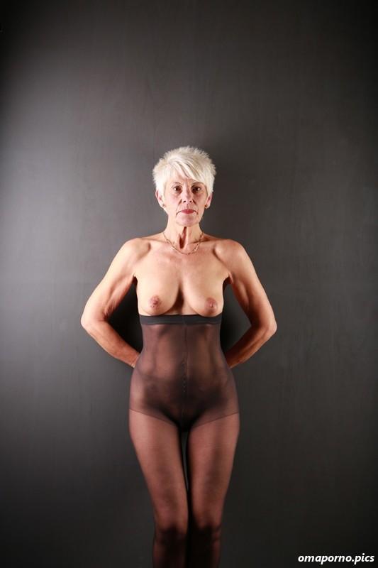 Frauen aktfotos reifer Klassische Aktfotos