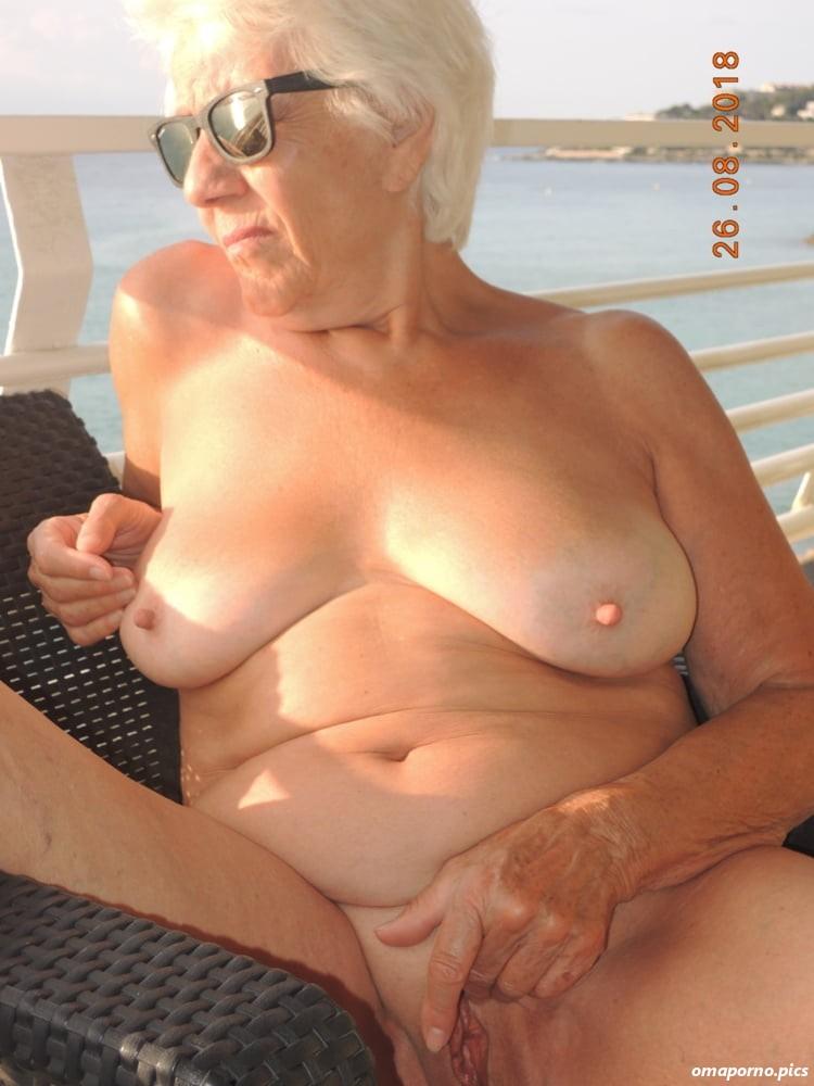 Reife omas nackt