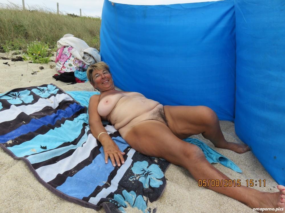 Ältere frauen fkk Frauen Pics