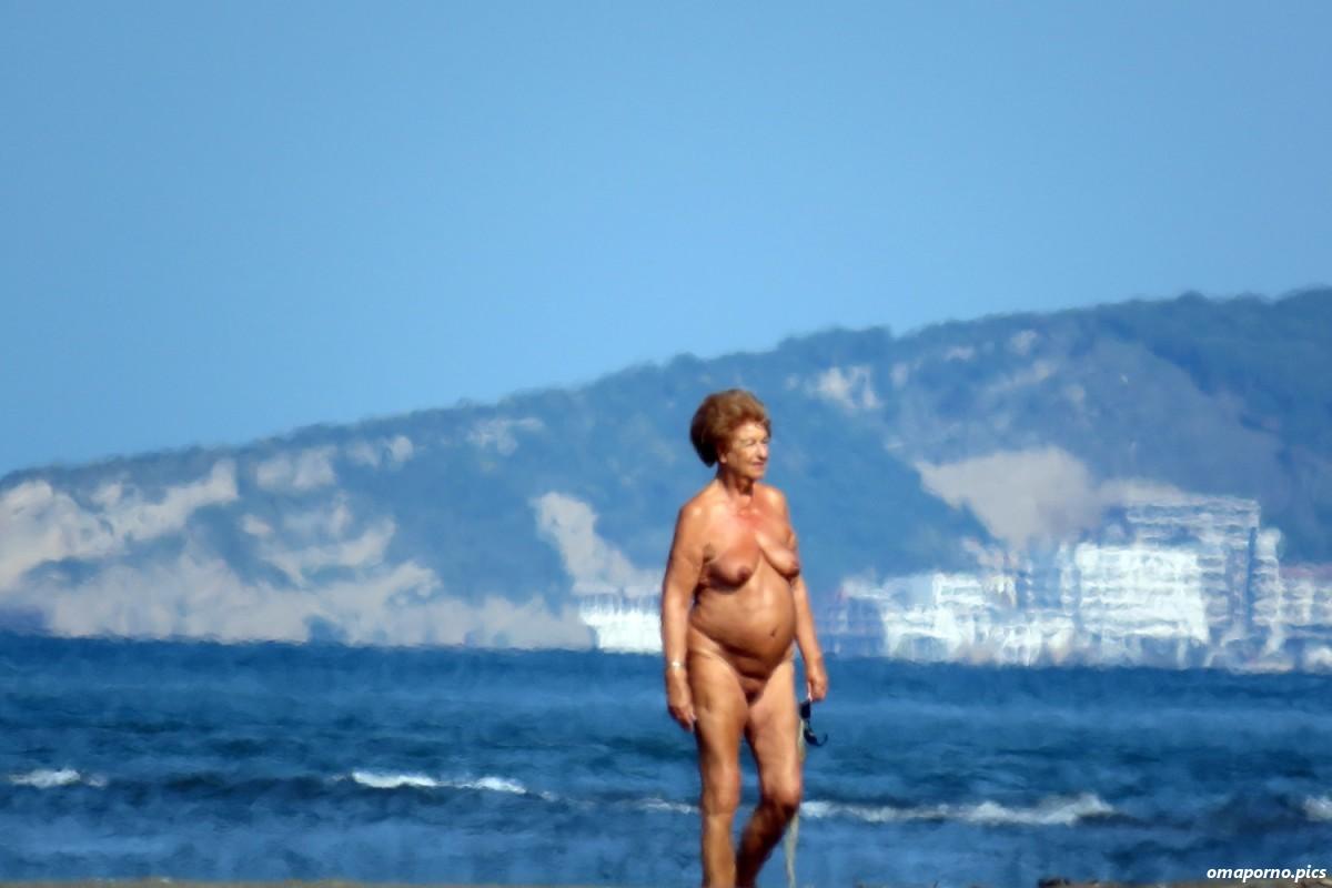 Strand nackt oma Oma Strand