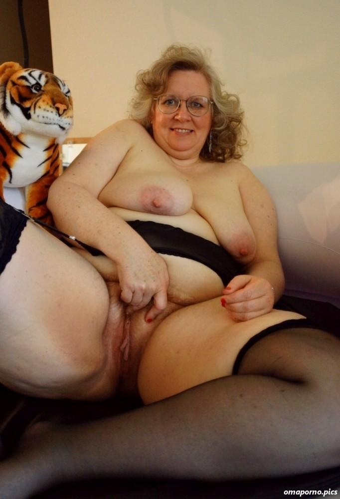 Small tits sex gif