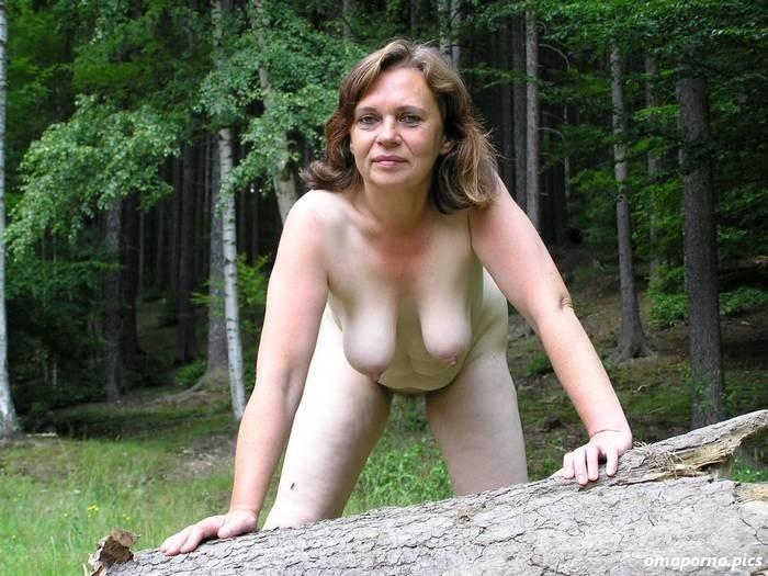 Wald frauen nackt Wald Porno