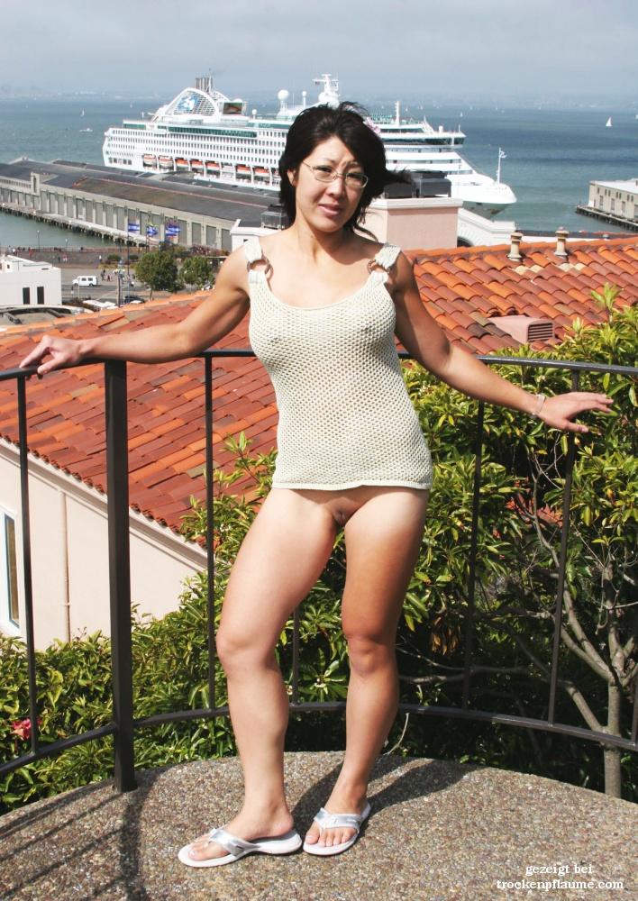 Straße auf frauen nackt der Nackte Frauen